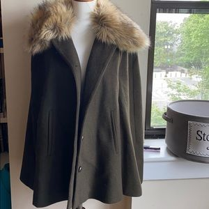 Forever 21 cape jacket coat olive green L with fur